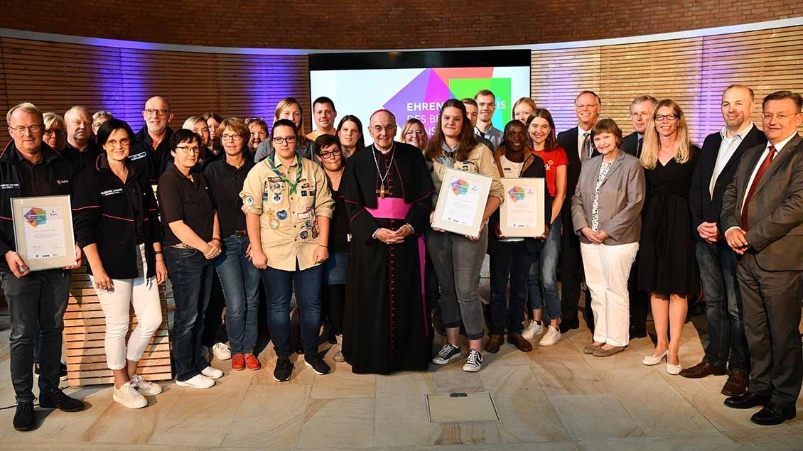 Foto von der Verleihung des Ehrenamtspreises 2019.