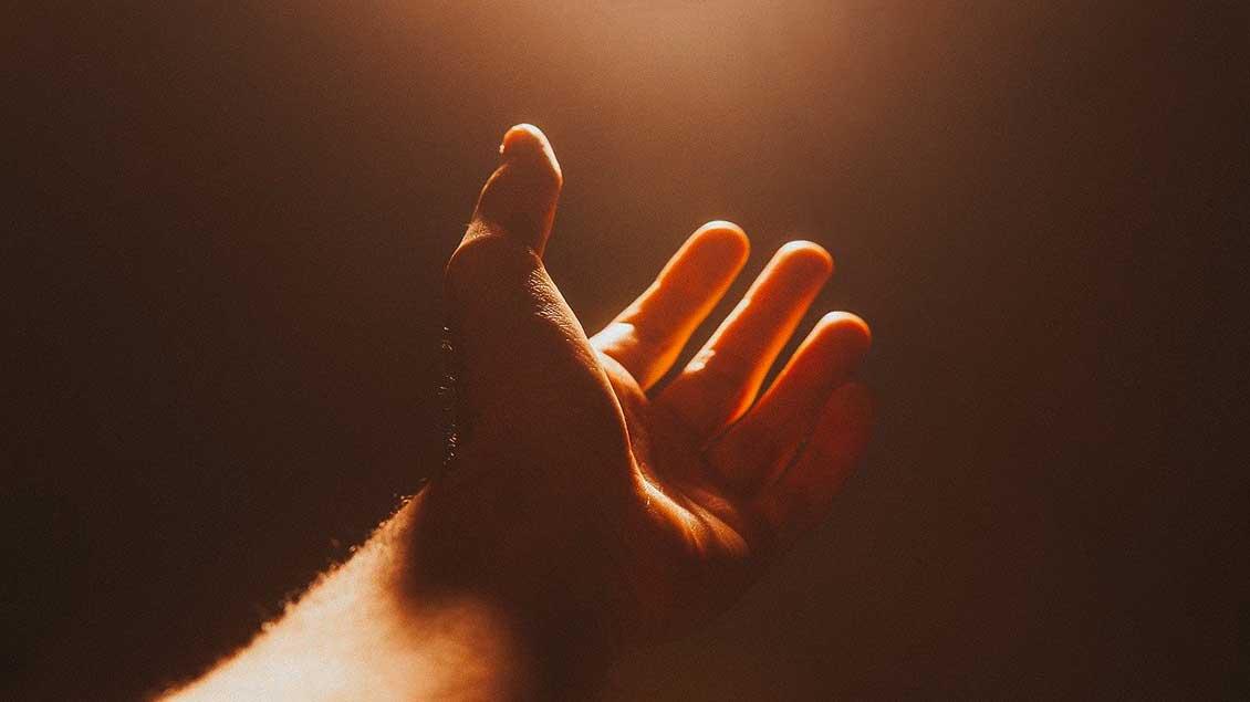 Hand im Licht Foto: pixabay