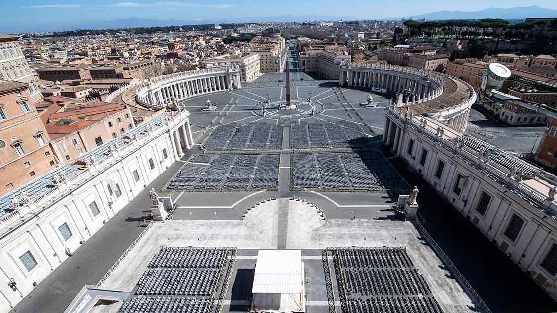 Der leere Petersplatz
