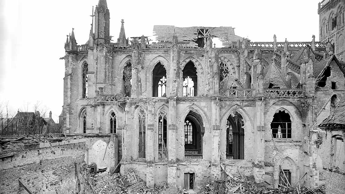 Xanten gedenkt der Zerstörung von Stadt und Viktor-Dom vor 75 Jahren - Helmut Sommer erinnert sich an die Bombardierung