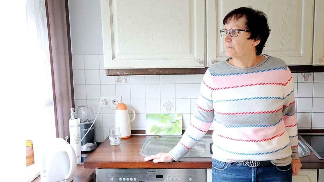 Edeltraud Becker in ihrer Küche