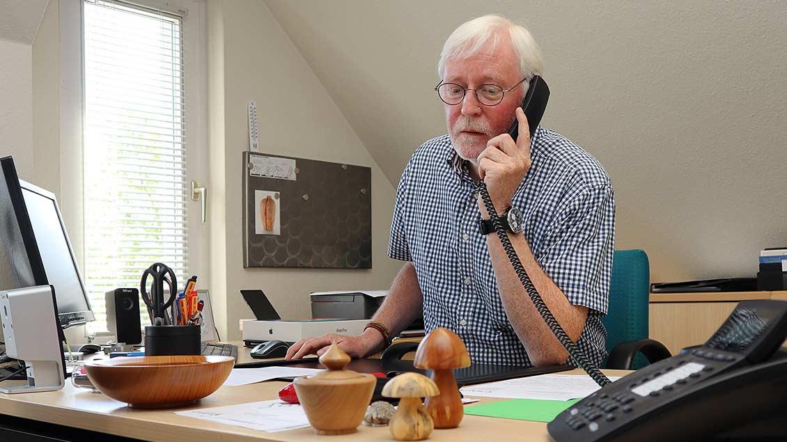 Ulrich Strickling in seinem Büro