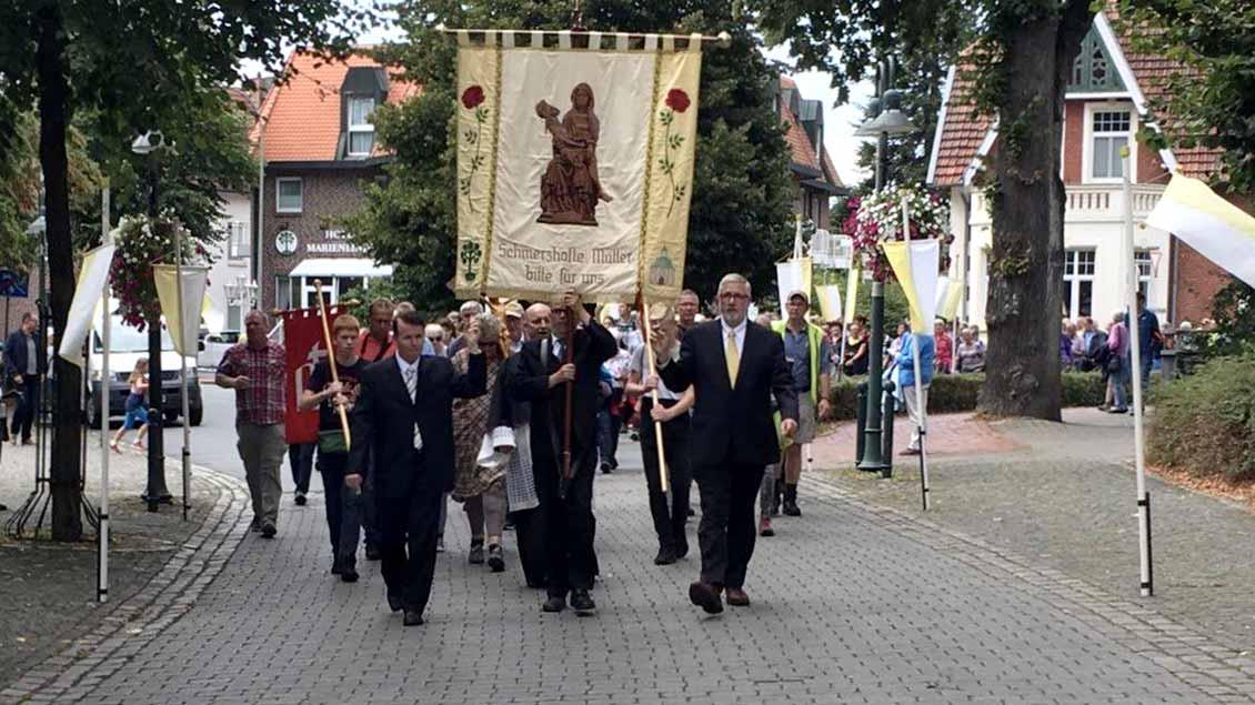 Wallfahrtsgilde bei der Prozession