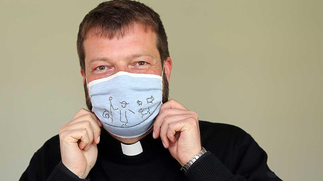 Bernd Holtkamp mit Mundschutz