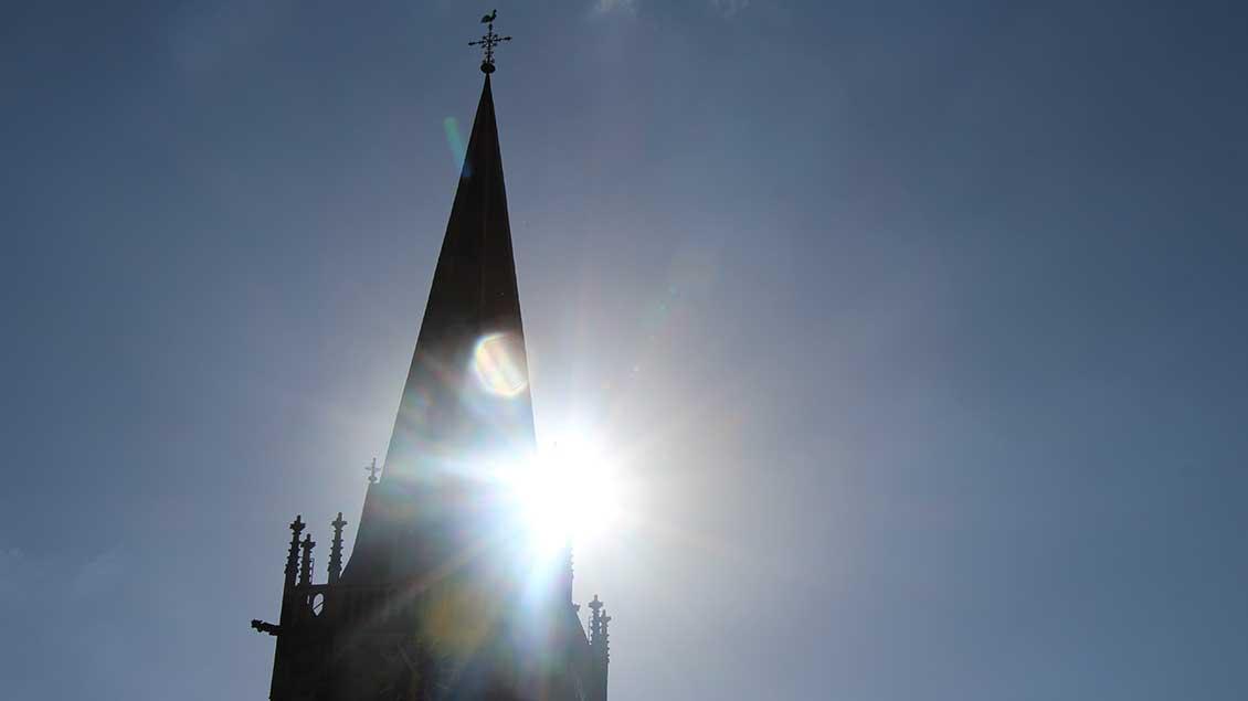Kirchturm Foto: Martin Schmitz