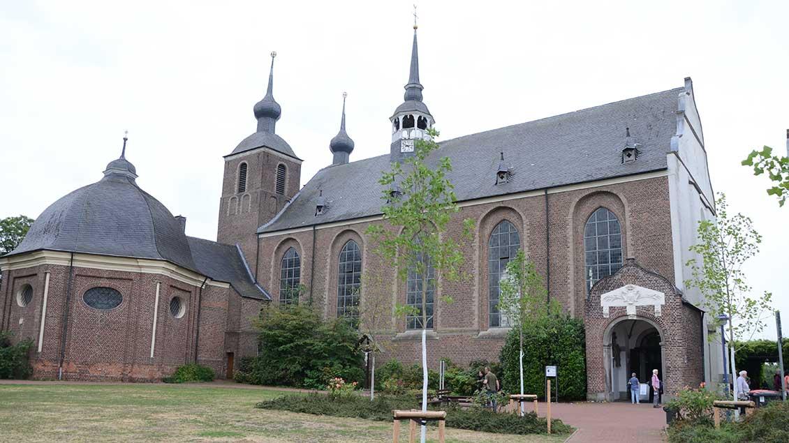 Die Klosterkirche Kamp ist in der Zeit von Abt Petrus gebaut worden.