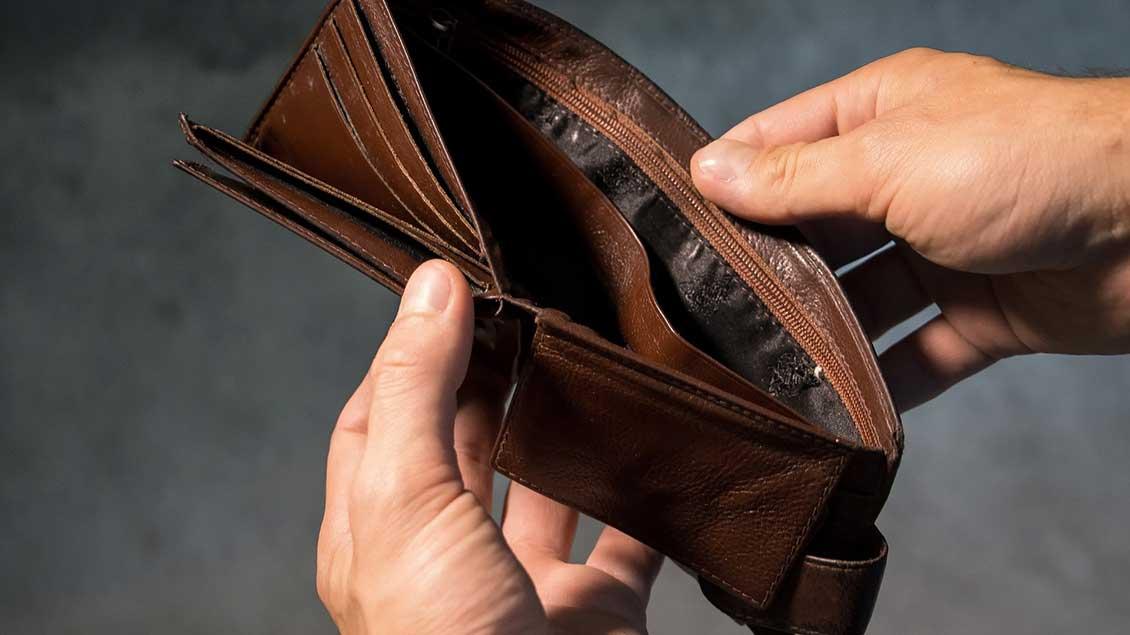 Eine leere Geldbörse.
