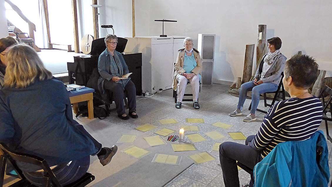 Meditationsangebote und Gesprächskreise finden nur mit Abstand statt. | Foto: privat