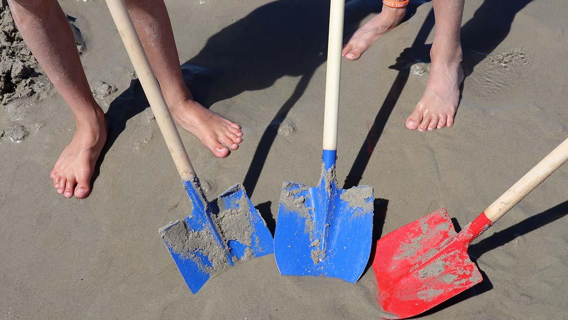 Am Strand finden Kinder viele Möglichkeiten zum Spielen. | Foto: Michael Rottmann