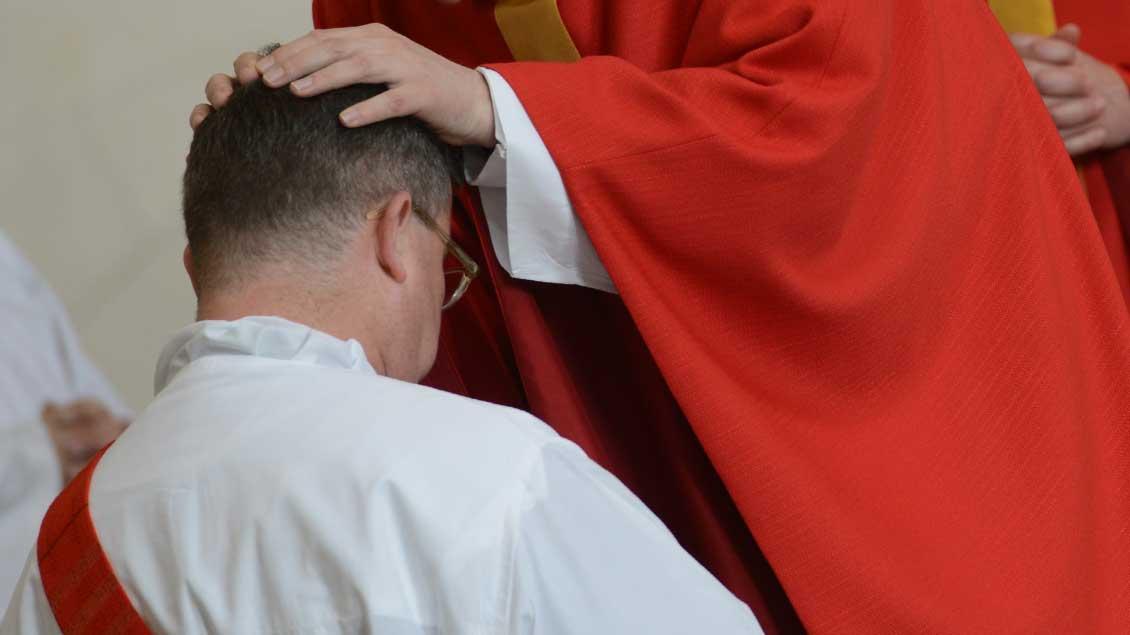 Priesterweihe im St.-Paulus-Dom Münster 2015