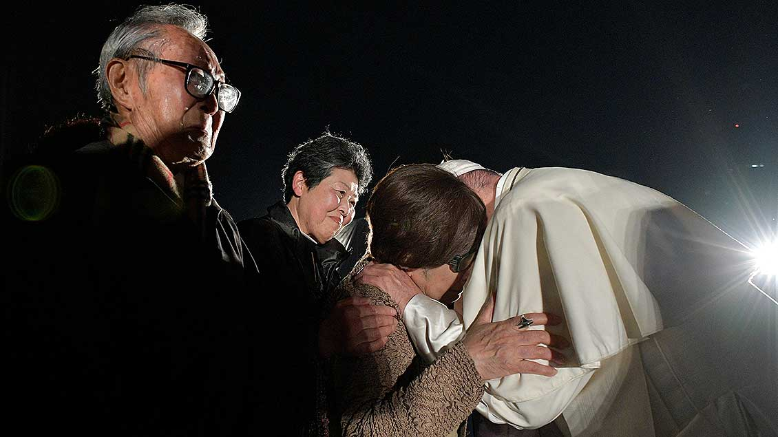 Franziskus in Hiroshima Foto: Vatican Media (Reuters)